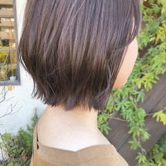 外ハネボブ 外ハネ ミルクティーグレージュ ボブ ヘアスタイルや髪型の写真・画像