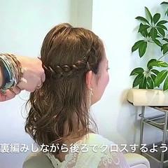 ヘアアレンジ セミロング フェミニン エレガント ヘアスタイルや髪型の写真・画像