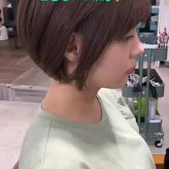 ショート ミルクティーベージュ カーキアッシュ ミニボブ ヘアスタイルや髪型の写真・画像