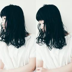 リラックス こなれ感 ナチュラル セミロング ヘアスタイルや髪型の写真・画像