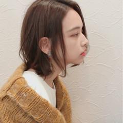 透明感 ウェーブ 秋 大人女子 ヘアスタイルや髪型の写真・画像