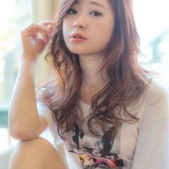 ニュアンス デート 小顔 フェミニン ヘアスタイルや髪型の写真・画像