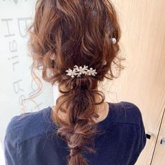 ナチュラル 編みおろし 結婚式ヘアアレンジ ゆるふわセット ヘアスタイルや髪型の写真・画像