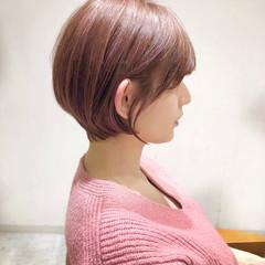 ショートボブ 切りっぱなしボブ ガーリー ショート ヘアスタイルや髪型の写真・画像