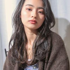 ロングヘアスタイル ゆるウェーブ セミロング ウェーブヘア ヘアスタイルや髪型の写真・画像