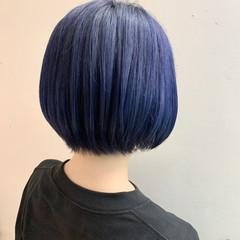 ブリーチ必須 ブルーブラック ボブ フェミニン ヘアスタイルや髪型の写真・画像