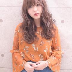 ロング ゆるふわ 外国人風カラー グレージュ ヘアスタイルや髪型の写真・画像