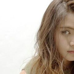 外国人風 グラデーションカラー ナチュラル かき上げ前髪 ヘアスタイルや髪型の写真・画像