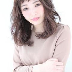フェミニン 大人かわいい セミロング 暗髪 ヘアスタイルや髪型の写真・画像