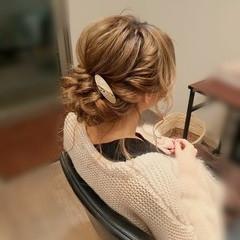 アップスタイル 結婚式 セミロング フェミニン ヘアスタイルや髪型の写真・画像
