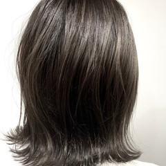 ボブ ナチュラル 簡単スタイリング アッシュグレージュ ヘアスタイルや髪型の写真・画像