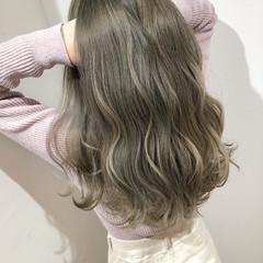 ミルクティーベージュ 結婚式 簡単ヘアアレンジ ロング ヘアスタイルや髪型の写真・画像