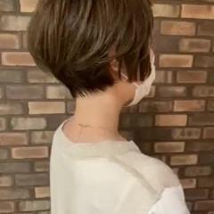 イルミナカラー ショートヘア ナチュラル 小顔ショート ヘアスタイルや髪型の写真・画像