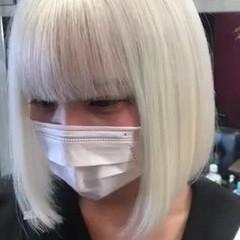 ホワイトブリーチ ホワイトシルバー ホワイトカラー ホワイトアッシュ ヘアスタイルや髪型の写真・画像