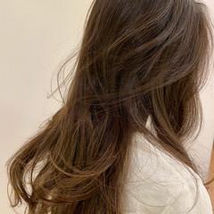 ヘアアレンジ オフィス アッシュベージュ 簡単ヘアアレンジ ヘアスタイルや髪型の写真・画像