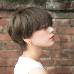 ショート アッシュ 色気 大人かわいい ヘアスタイルや髪型の写真・画像