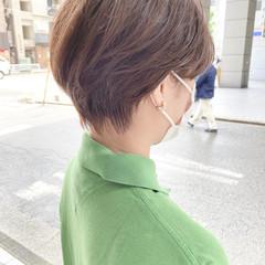 ショートヘア ベージュ 小顔ショート ナチュラル ヘアスタイルや髪型の写真・画像