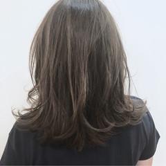 ナチュラル ミディアム アッシュ 透明感 ヘアスタイルや髪型の写真・画像