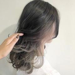 ミルクティーベージュ ガーリー アッシュベージュ イルミナカラー ヘアスタイルや髪型の写真・画像