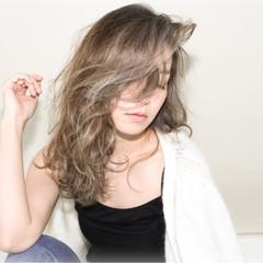 ナチュラル グラデーションカラー ハイライト こなれ感 ヘアスタイルや髪型の写真・画像
