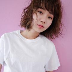 ニュアンス フリンジバング パーマ リラックス ヘアスタイルや髪型の写真・画像