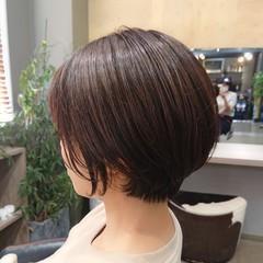 前髪あり フェミニン 丸みショート 大人女子 ヘアスタイルや髪型の写真・画像