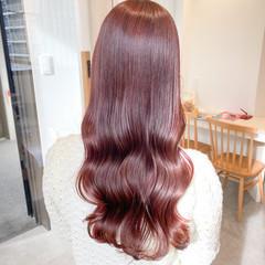 ピンクベージュ ナチュラル セミロング インナーカラー ヘアスタイルや髪型の写真・画像