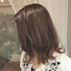 ボブ 秋 ハイライト 外ハネ ヘアスタイルや髪型の写真・画像