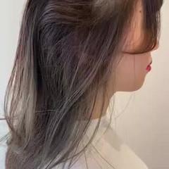 セミロング インナーカラー ミントアッシュ オリーブベージュ ヘアスタイルや髪型の写真・画像