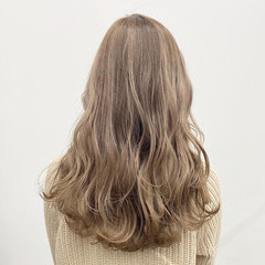 ロング ナチュラル 春 外国人風カラー ヘアスタイルや髪型の写真・画像