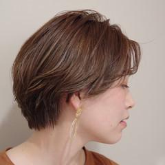 極細ハイライト ナチュラル ヌーディベージュ インナーカラー ヘアスタイルや髪型の写真・画像