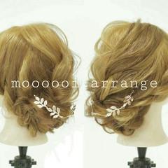 セミロング 編み込み ゆるふわ ツイスト ヘアスタイルや髪型の写真・画像