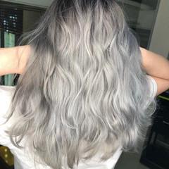 エレガント グラデーションカラー ホワイトカラー セミロング ヘアスタイルや髪型の写真・画像