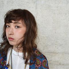 アッシュ パーマ ストリート メンズ ヘアスタイルや髪型の写真・画像