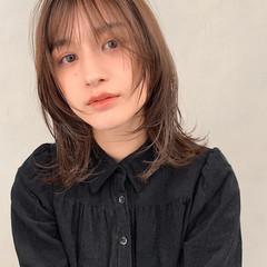 ベージュ 大人可愛い ミディアム シースルーバング ヘアスタイルや髪型の写真・画像