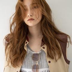 ブラウンベージュ ウザバング セミロング ダブルカラー ヘアスタイルや髪型の写真・画像
