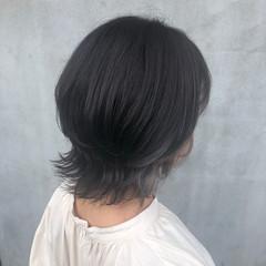ミディアム ウルフカット インナーカラー ナチュラル ヘアスタイルや髪型の写真・画像