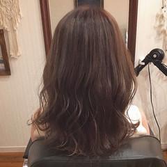 ヘアアレンジ グレージュ デート フェミニン ヘアスタイルや髪型の写真・画像
