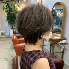 アウトドア アンニュイほつれヘア ショート ショートヘア ヘアスタイルや髪型の写真・画像