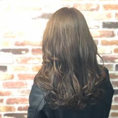 ナチュラル ロング 艶髪 外国人風 ヘアスタイルや髪型の写真・画像