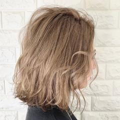 切りっぱなしボブ インナーカラー ダブルカラー ストリート ヘアスタイルや髪型の写真・画像
