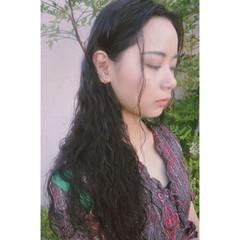 リラックス フェミニン ロング アンニュイ ヘアスタイルや髪型の写真・画像