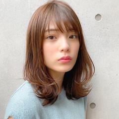ミディアム 毛先パーマ 大人かわいい レイヤーカット ヘアスタイルや髪型の写真・画像