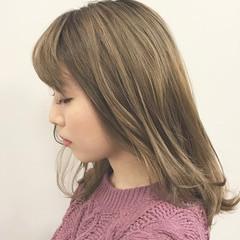 グレージュ ハイライト グラデーションカラー 外国人風カラー ヘアスタイルや髪型の写真・画像