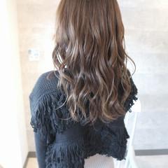 ロング パーティ アンニュイほつれヘア 結婚式 ヘアスタイルや髪型の写真・画像