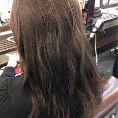 アッシュグレージュ ナチュラル アッシュ 外国人風 ヘアスタイルや髪型の写真・画像