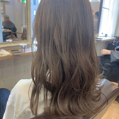ゆるふわ グレージュ モテ髪 透明感 ヘアスタイルや髪型の写真・画像