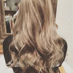 ミルクティーベージュ ロング 外国人風 ストリート ヘアスタイルや髪型の写真・画像