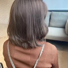 ナチュラル グレージュ くびれカール レイヤーカット ヘアスタイルや髪型の写真・画像