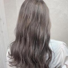 ナチュラル ブリーチカラー ホワイト ブリーチ ヘアスタイルや髪型の写真・画像
